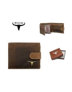 Raktáron Barna pénztárca fém logóval ... 990372c296