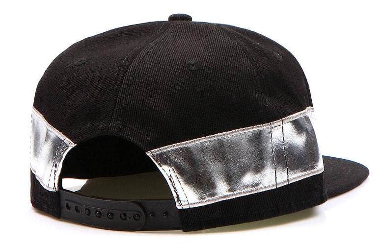 NYC fekete siltes sapka fényes aplikációval - Legyferfi.hu 9f7682e8b8